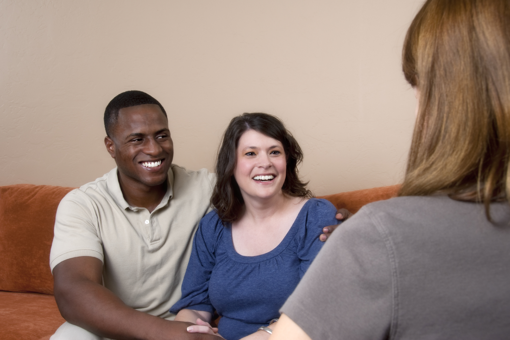 A surrogate and her husband at their psychological evaluation